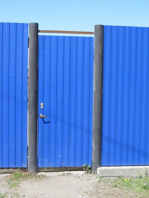 Калитка и забор и профнастила как сделать самим