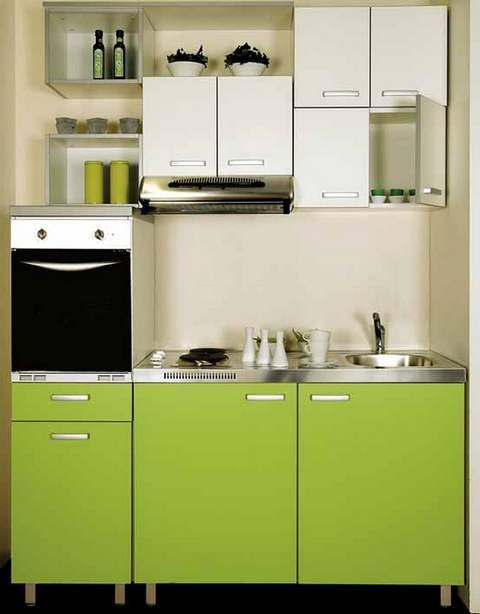 И бытовая техника в маленькой кухне